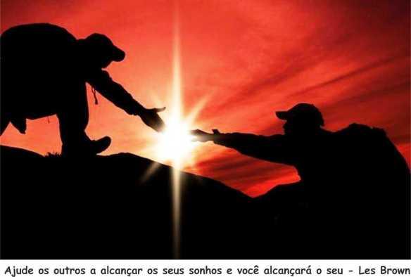 1002-ajude-os-outros-a-alcancar-os-seus-sonhos-e-voce-vai-alcancar-o-seu-les-brown